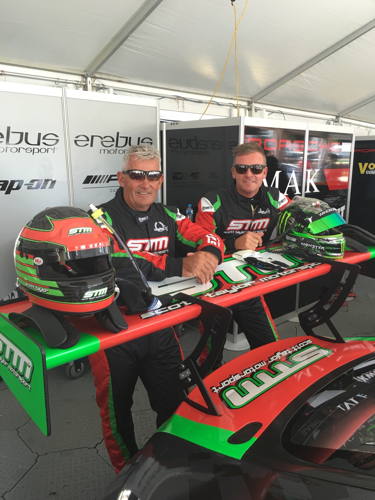 Race 2 of the Clipsal 500